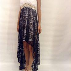 Φόρεμα ασύμμετρο από μουσελίνα και δαντέλα