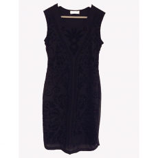 Mini φόρεμα με ανάγλυφο σχέδιο