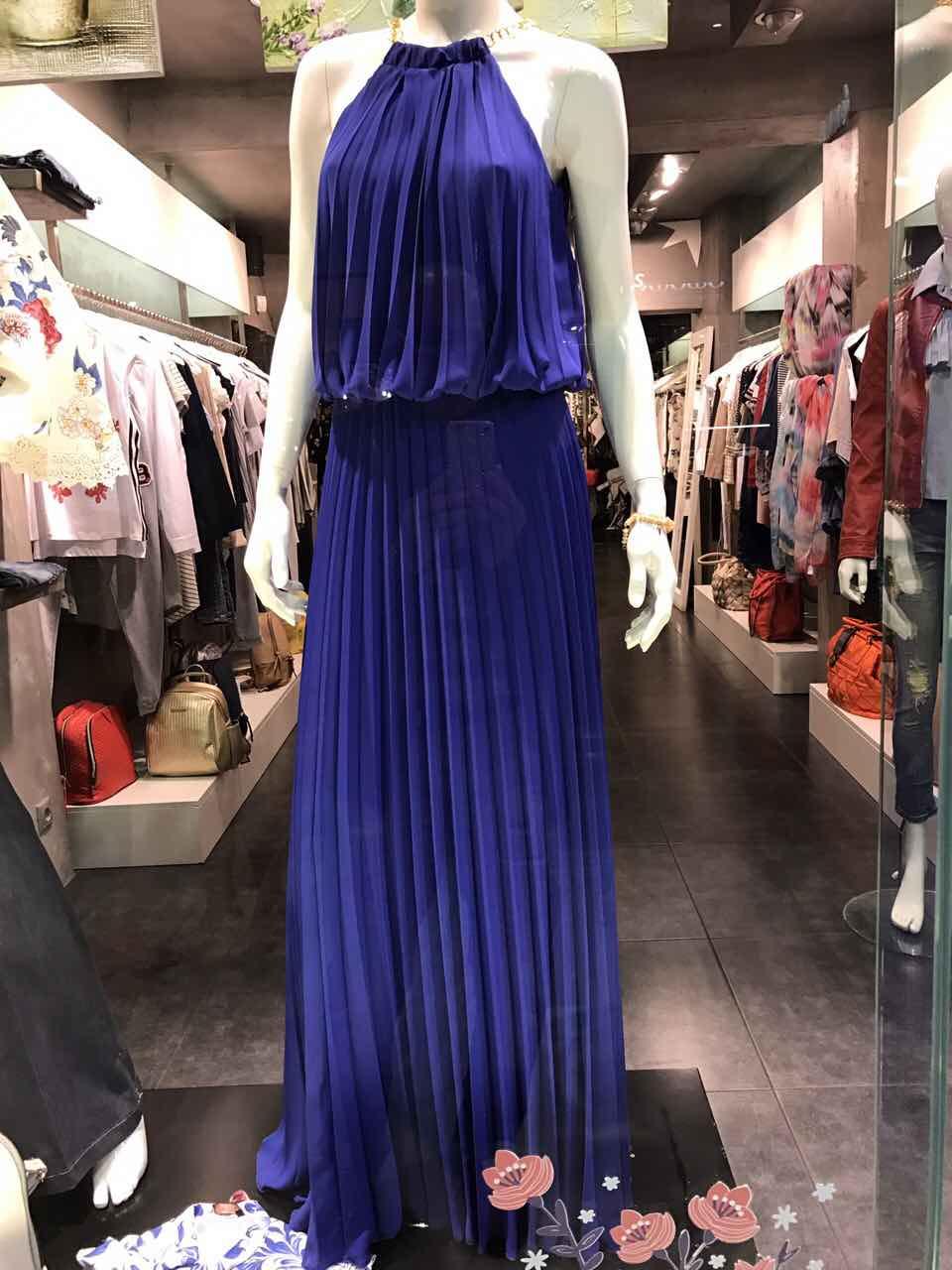 e9c15e998f97 Να ξεκαθαρίσουμε κατ  αρχή ότι σε τέτοιες περιστάσεις η ιδανικότερη επιλογή  είναι το φόρεμα γιατί είναι άκρως θηλυκό και έχετε πάρα πολλές επιλογές.