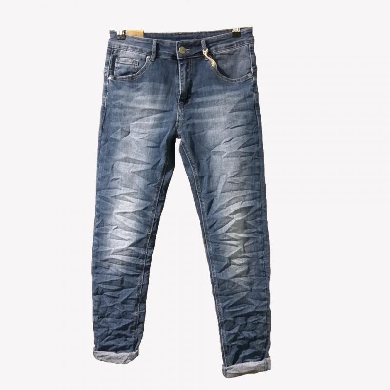 Jean παντελόνι με ξεβάματα χωρίς σκισίματα
