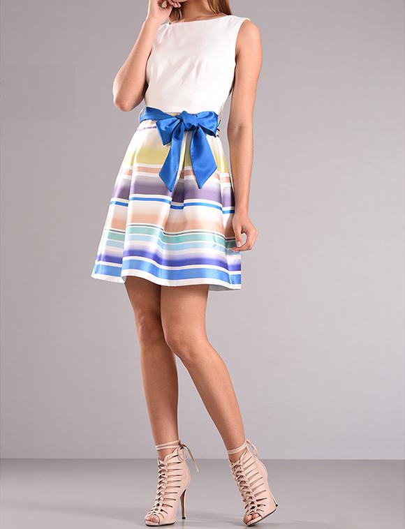 Mini φόρεμα cocktail χωρίς μανίκια
