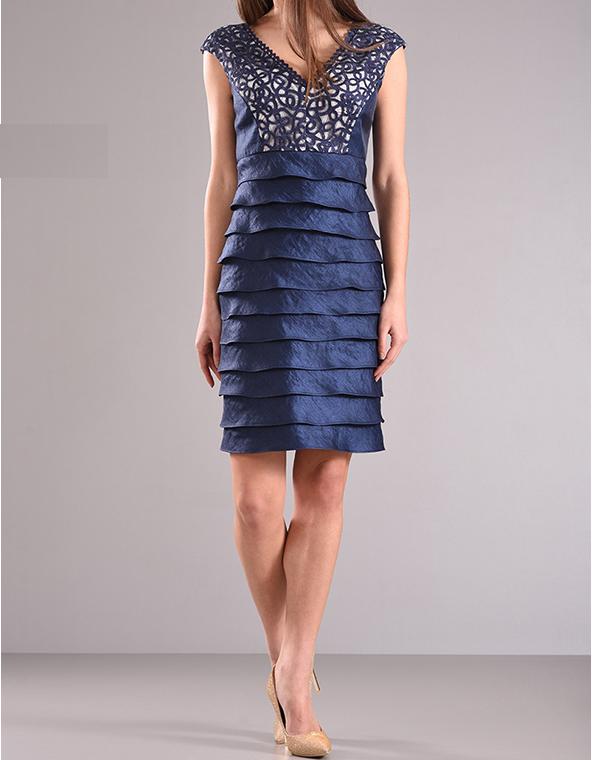 Αμάνικο φόρεμα με V λαιμόκοψη