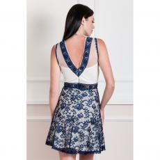 Mini φόρεμα από δαντέλα σε Α γραμμή