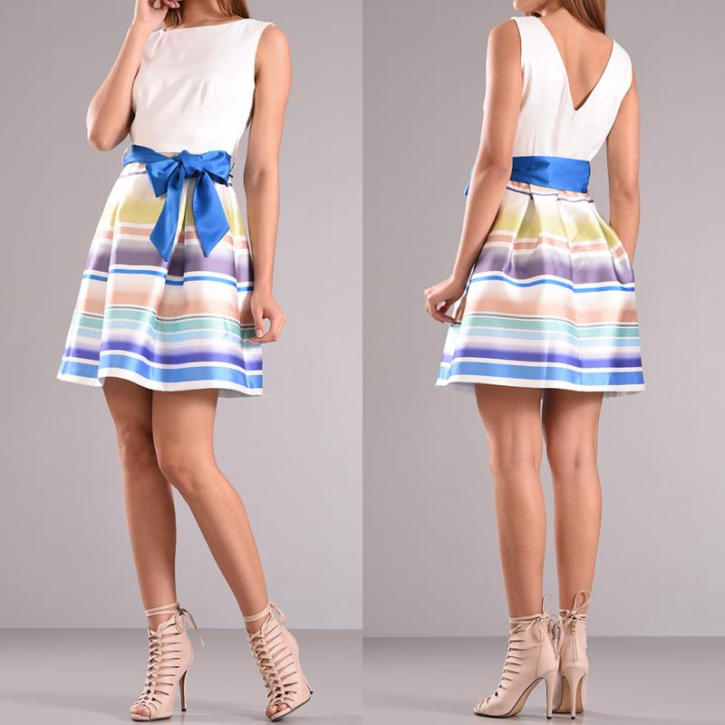 Mini φόρεμα cocktail και μπλε ζώνη