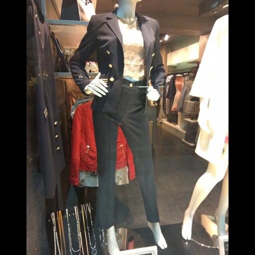 Γυναικείο παντελόνι cigarette με χρυσό κουμπί
