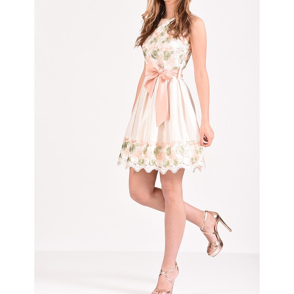 d8dd6bfd5fb5 Τα φορέματα που θα φορεθούν φέτος το καλοκαίρι. Βρες το στυλ που σου ...
