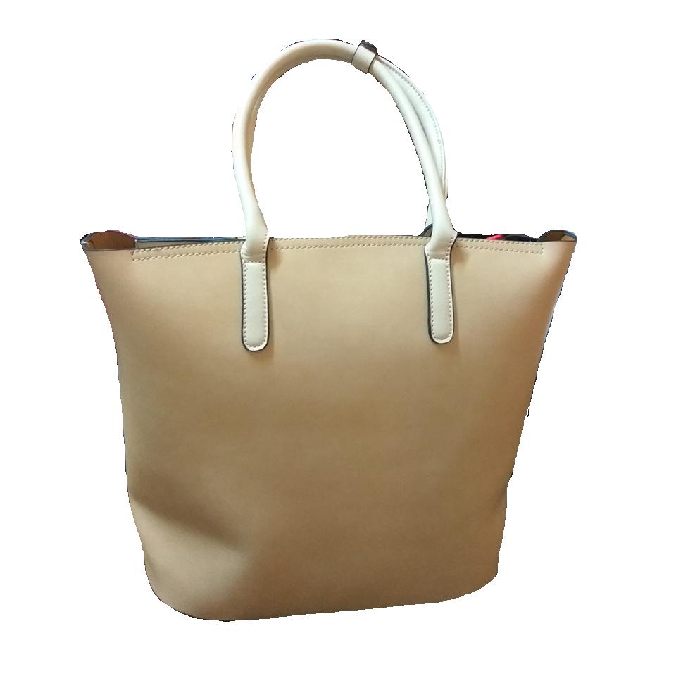 Γυναικεία τσάντα χειρός με διάτρητο σχέδιο