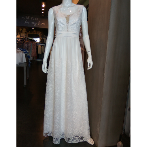 Maxi λευκό φόρεμα με λεπτομέρειες δαντέλας